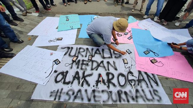 Aliansi Jurnalis Independen (AJI) mengkritik Wali Kota Medan Bobby Nasution yang membatasi durasi wawancara jurnalis maksimal 20 menit.