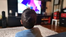 Menonton Orang Hampir Mati dan Pindah Agama di Televisi