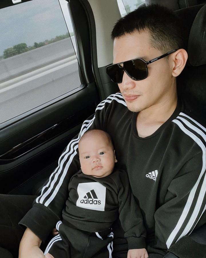 Rezky Adhitya dan putranya