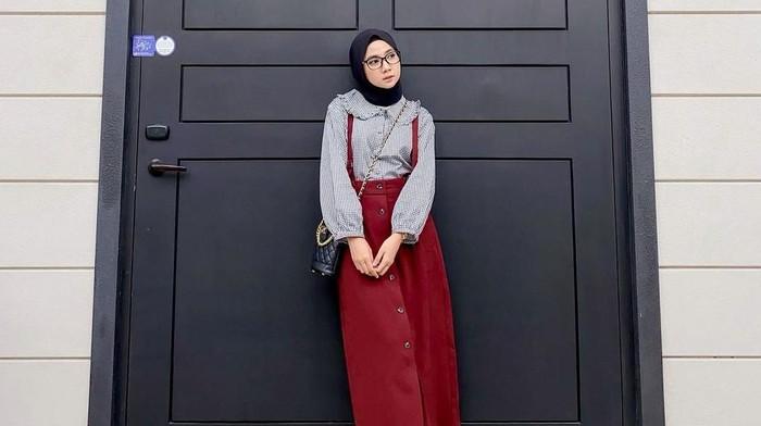 5 Ide Outfit Hijab Santai dan Kece untuk Ngabuburit Bareng Teman