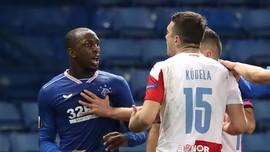 Bek Slavia Praha Diskors 10 Pertandingan karena Rasisme