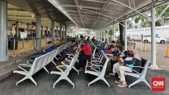 Sejumlah warga memilih pulang ke kampung halaman sebelum mudik dilarang pemerintah 6-17 Mei 2021.