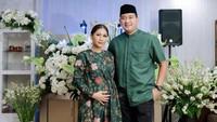 <p>Tata Janeeta kini tengah berbadan dua, Bunda. Ia hamil buah cintanya dengan sang suami, Raden Brotoseno. Kabar kehamilan itu sudah diumumkan sejak akhir November 2020 (Foto: Instagram @tatajaneetaofficial).</p>