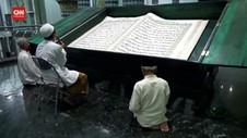 VIDEO: Tradisi Tadarusan Dengan Al Quran Raksasa