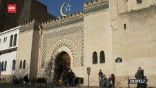 VIDEO: Umat Muslim di Paris Sambut Awal Ramadan