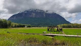 Misteri Orang Sakti hingga Meteor di Bukit Kelam Kalimantan
