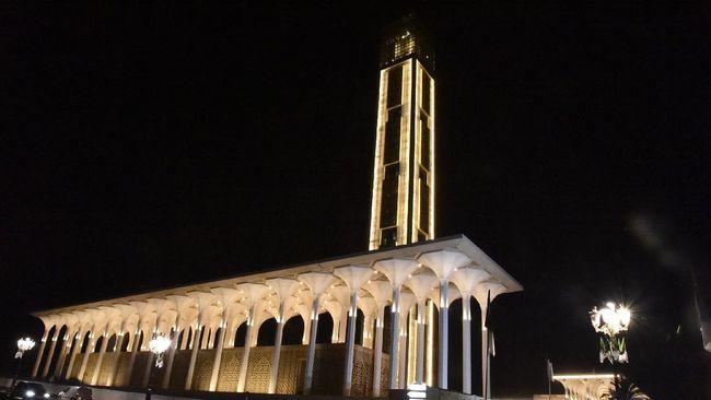 Masjid Djamaa el Djazaïr, atau Masjid Agung Aljazair, memegang predikat sebagai masjid dengan menara tertinggi di dunia.