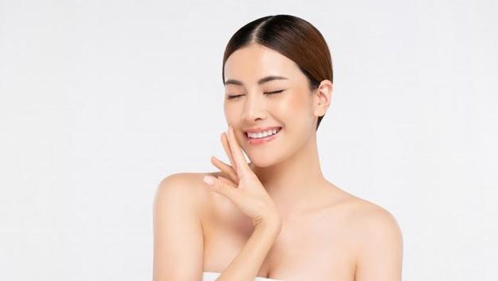 Ingin Awet Muda? Pastikan 5 Kandungan Ini Ada pada Produk Skincare Kamu