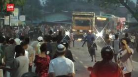 VIDEO: Tawuran Warga Kembali Terjadi di Medan
