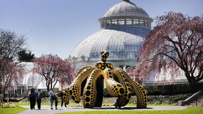 Seniman kontemporer asal Jepang Yayoi Kusama membuat eksibisi seni baru bernama