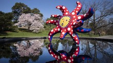 FOTO: Pameran Seni Ala Yayoi Kusama di Taman New York