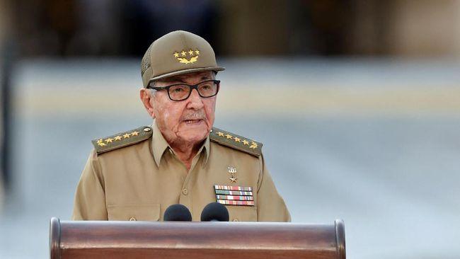Raul Castro mundur sebagai Ketua Partai Komunis dan menandai pergantian era di Kuba.