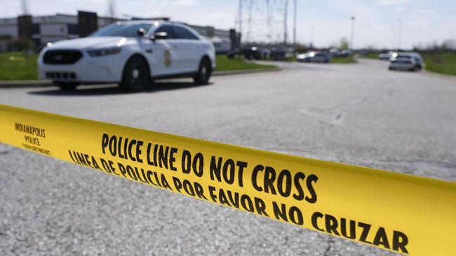 FBI menyatakan pernah mewawancarai pelaku penembakan massal FedEx, Brandon Hole (19) tahun lalu. Penembakan massal ini menewaskan 8 orang.