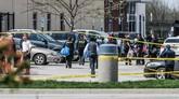 FBI dan kepolisian AS tengah menyelidiki aksi penembakan massal di kantor FedEx AS yang dilakukan oleh seorang pria kulit putih berusia 19 tahun.
