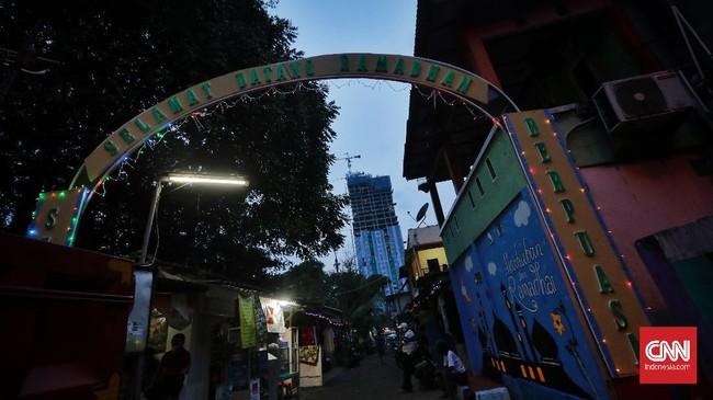 Walau masih dilanda pandemi Covid-19, warga Jakarta tetap menyambut Ramadan dengan gembira. Salah satunya di Kampung Ramadan.