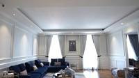 <p>Zaskia dan Irwansyah juga membuat dua ruang khusus untuk tamu dan keluarga.Nah ini, ruang berkumpul lantai empat. (Foto: YouTube: The Sungkar Family)</p>