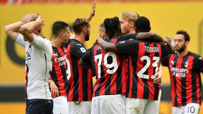 AC Milan meraih kemenangan tipis 2-1 atas Genoa pada lanjutan Liga Italia di Stadion San Siro, Minggu (18/4), lewat gol bunuh diri Gianluca Scamacca.