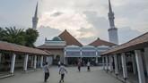 Indonesia yang kaya akan akulturasi budaya melahirkan sejumlah karya seni arsitektur masjid, yang tersebar dari Sabang sampai Merauke.