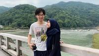 <p>Lia dan Hiro mulai akrab dan saling bertukar pesan. Namun sayang, pria Jepang itu memilih pergi ke China untuk melanjutkan cita-citanya. Mereka pun hilang kontak dan mulai move on (Foto: Instagram @liakato23).</p>