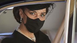 Sejarah Kalung Mutiara yang Dikenakan Kate Middleton