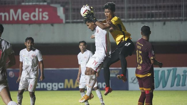 Pelatih PSM Makassar Syamsuddin Batola bangga para penggawa Juku Eja dilirik banyak klub usai Piala Kemenpora 2021.