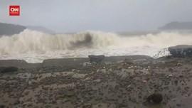 VIDEO: Dampak Siklon Surigae Terasa di Filipina