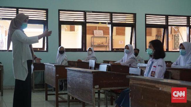 Sembilan sekolah di Yogyakarta mulai melakukan uji coba belajar tatap muka, mulai Senin (19/4).