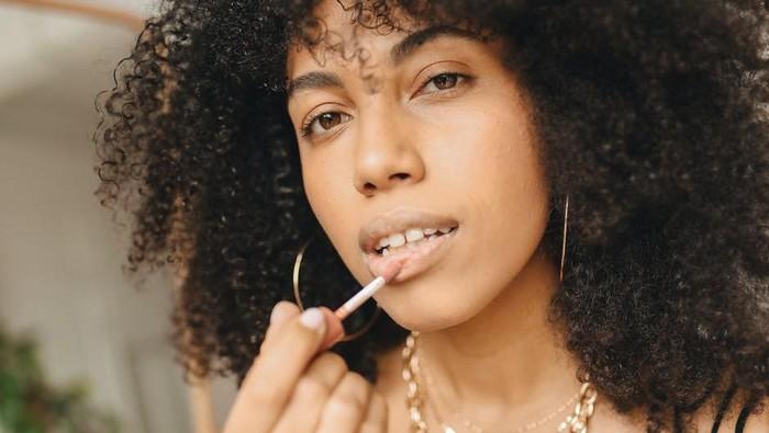 Cara Mengatasi Bibir Kering Saat Puasa Ramadan, Bikin Lembap dan Tidak Pecah-pecah