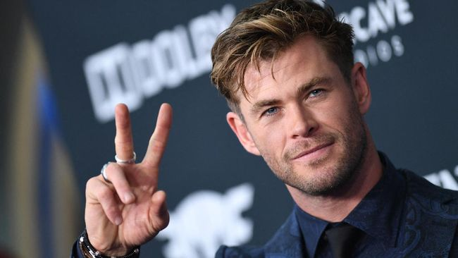 Film prekuel Mad Max, Furiosa, yang dibintangi oleh Anya Taylor-Joy dan Chris Hemsworth tersebut dijadwalkan rilis pada 2023.