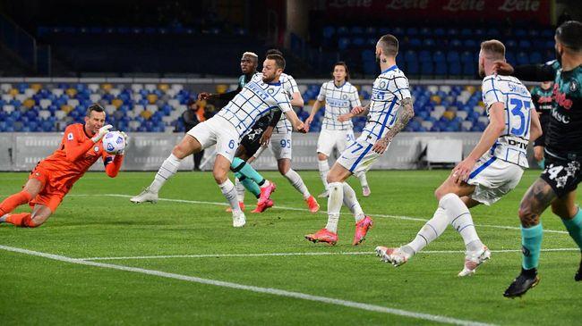 Klasemen Liga Italia mengalami perubahan setelah Juventus kalah dari Atalanta dan Inter Milan bermain imbang dengan Napoli dalam pekan ke-31 Serie A.
