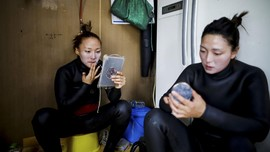 FOTO: Kehidupan Wanita-wanita Laut Korea yang Resah