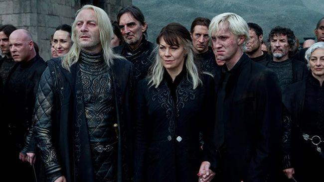 Pemeran suami dan anak Helen McCrory dalam seri Harry Potter mengungkapkan rasa duka mereka kehilangan pemeran Narcissa Malfoy itu.