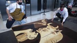FOTO: Ketika Lukisan Guernica Picasso Menjelma Lewat Cokelat