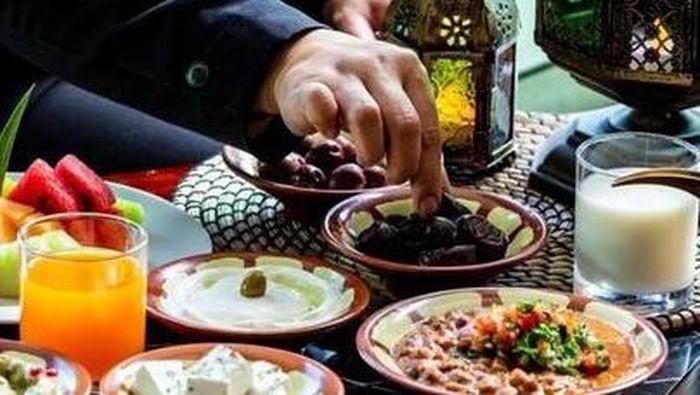 Mitos dan Fakta Seputar Puasa di Bulan Ramadan
