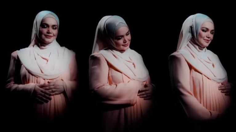 Kabar bahagia datang dari penyanyi asal Malaysia, Siti Nurhaliza yang baru saja melahirkan anak keduanya. Yuk kita intip momen Siti Nurhaliza!