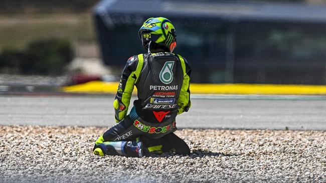 4 Kecelakaan Aneh di MotoGP Portugal: Rossi hingga Rins