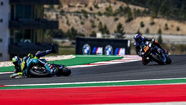 FOTO: Beda Nasib Rossi dan Quartararo di MotoGP Portugal