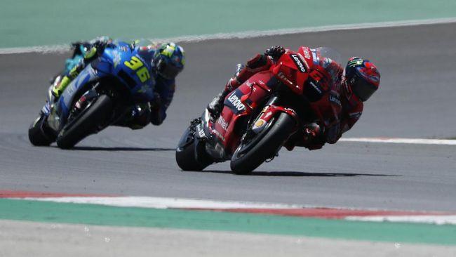 Valentino Rossi menyebut Francesco Bagnaia sebagai pembalap yang harus diwaspadai di MotoGP 2021.