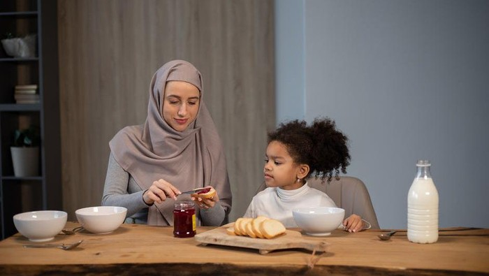 Patut Dicontoh, Ini 5 Panduan Mudah Agar Anak Kuat Puasa Ramadan