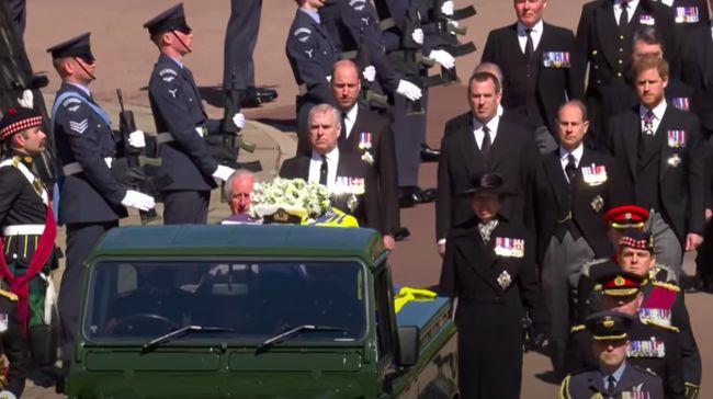 Curi Perhatian, Pria Tampan Di Sebelah Pangeran William di Pemakaman Pangeran Philip