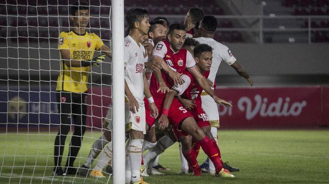 Pertemuan Persija Jakarta vs Persib Bandung di final Piala Menpora 2021 jadi akhir yang sempurna untuk turnamen pramusim ini.
