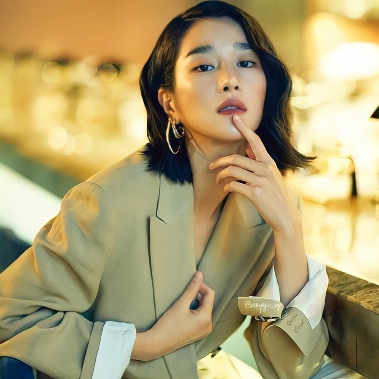 Setelah skandal kontroversinya terbongkar, karir Seo Ye Ji terancam hancur. Yuk kita lihat potret cantik Seo Ye Ji!