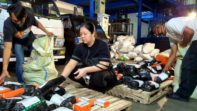 Susandewiksu, toko kue milik Susan Dewi, berkembang pesat di platform Shopee usai membuka bisnis toko secara daring empat tahun lalu.