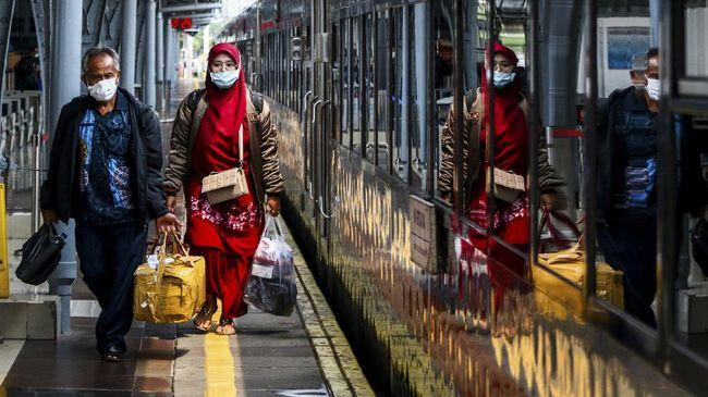 KAI mengaku masih menunggu ketentuan mengenai pengetatan persyaratan mudik di moda kereta api dari Kementerian Perhubungan.