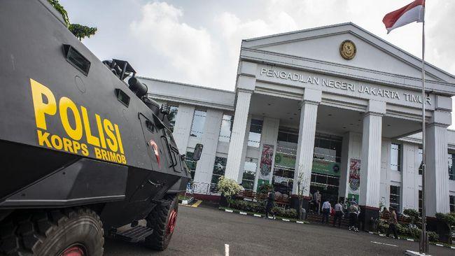 Pihak Rizieq Shihab kemungkinan akan menghadirkan enam orang saksi ahli dalam sidang kasus kerumunan di Pengadilan Negeri Jakarta Timur hari ini.