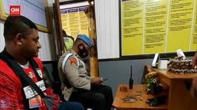 VIDEO: Bawa Amunisi ke Intan Jaya, Oknum Polisi Ditangkap