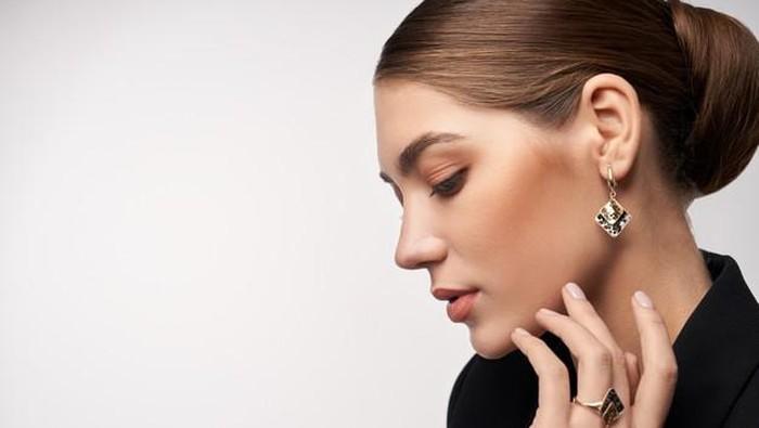 Tips Makeup untuk Kulit Kering, Perhatikan Base Makeup yang Kamu Gunakan!