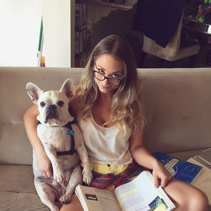 Natalie Viscuso juga memiliki anjing peliharaan French Bulldog yang sangat disayanginya bernama Meat./foto: instagram/nviscuso