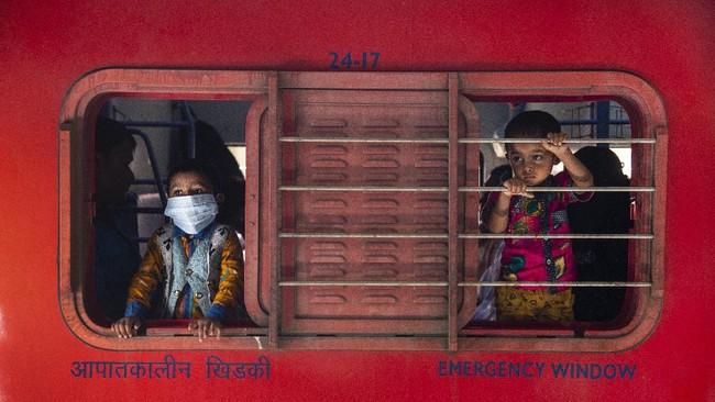 India terus mengalami lonjakan kasus infeksi virus corona (Covid-19). Jumlah kasusnya kini peringkat dua di dunia.