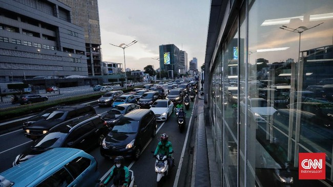 FOTO: Kemacetan Jakarta Jelang Buka Puasa